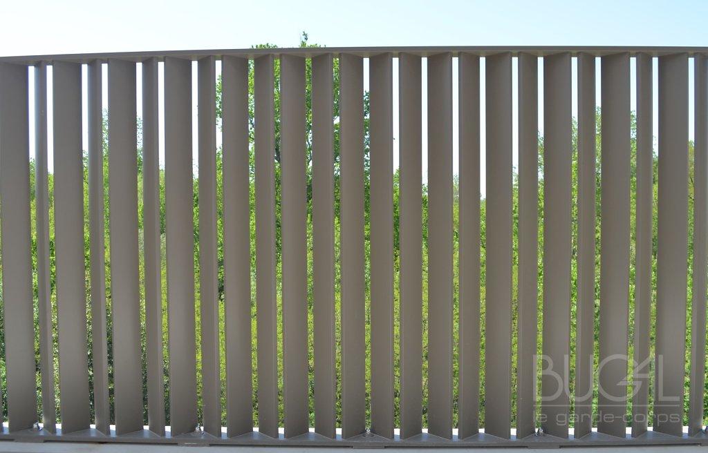 Garde corps à barreaux inclinés coupe Tictal coupe B01 012 801