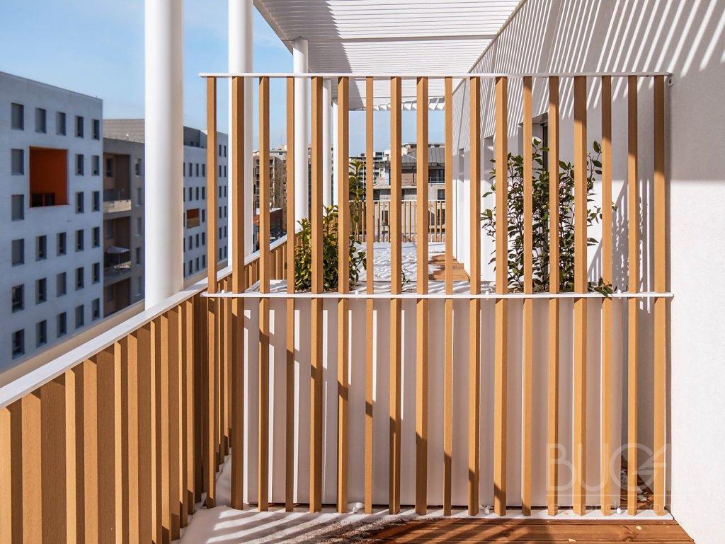 Programme-ATHEA-architecte-LAISNE-ROUSSEL-garde-corps-a-barreaux-en-bois-composite-1.jpg