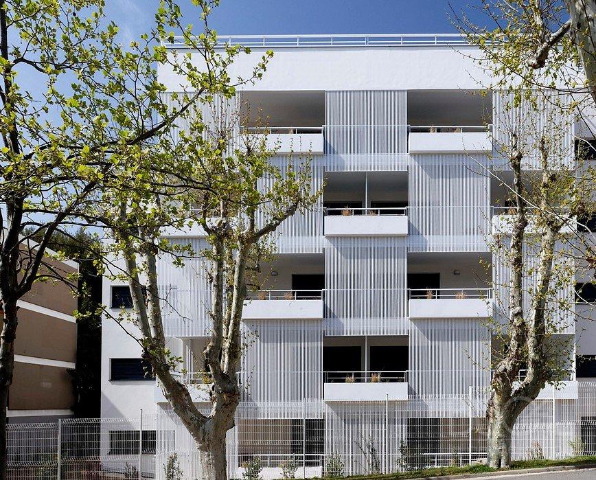 Claustras-Bugal-a-lames-30-par-30-programme-le-Patio-Gaia-du-PICHET-PROMOTION-ILR-ARCHITECTURE-SERRURIER-PONZIO.jpg
