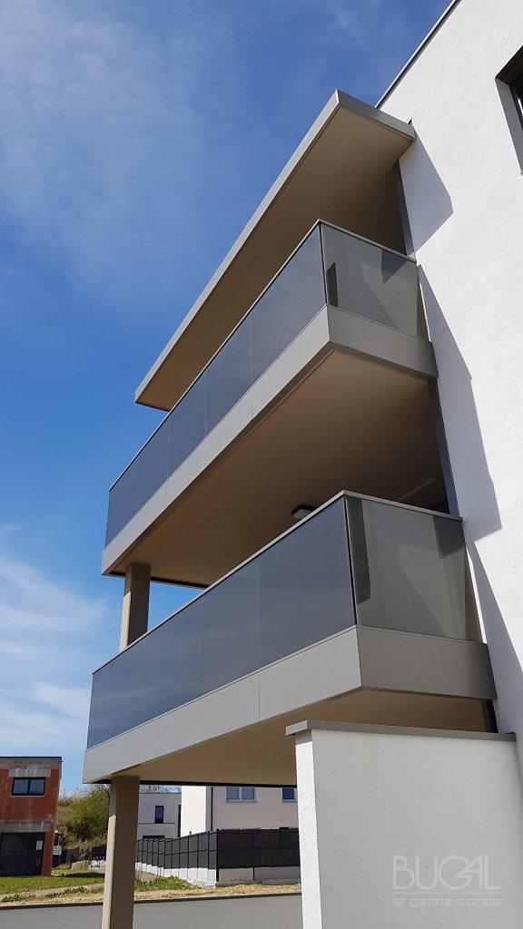 Garde-corps-Integral-de-chez-Bugal-verre-vanceva-Evening-shadow-architecte-BOLLE-ET-BONDUE-14.jpg